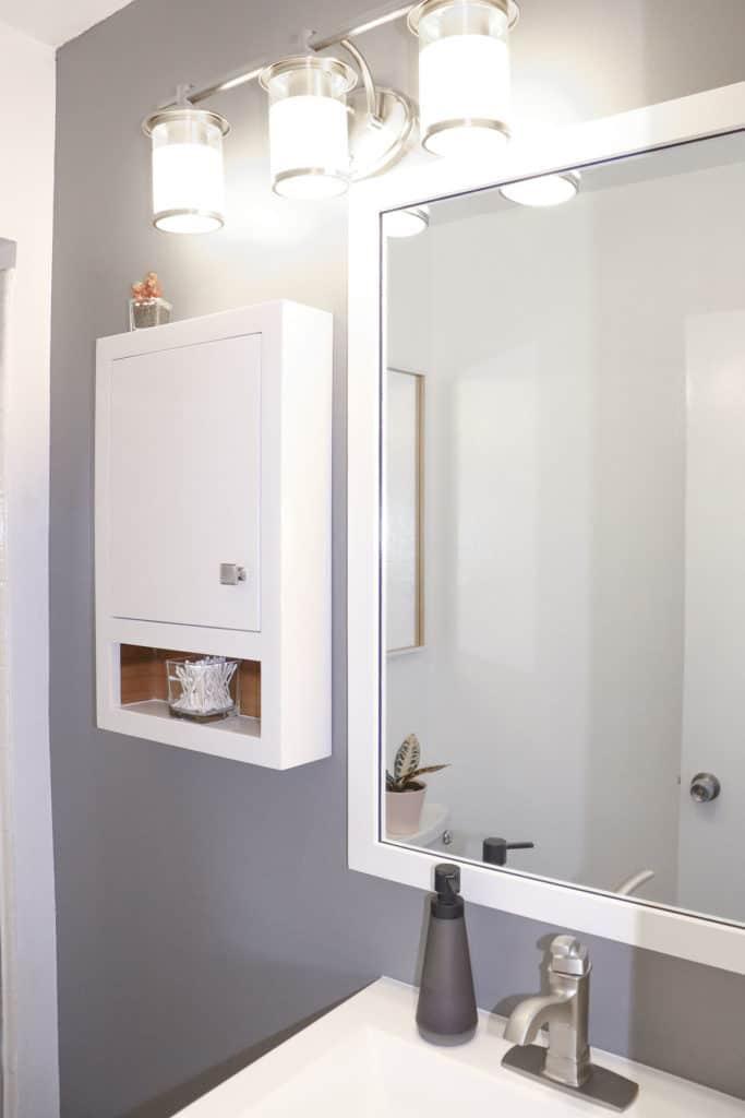 declutter bathroom