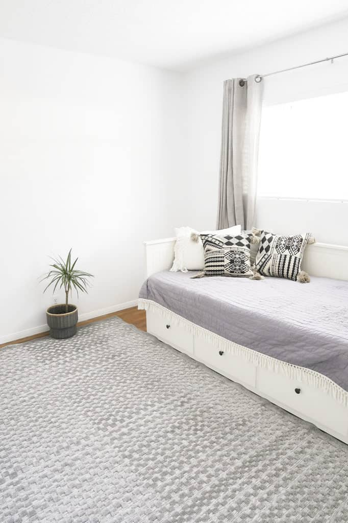 minimalist guest room decor white and bright