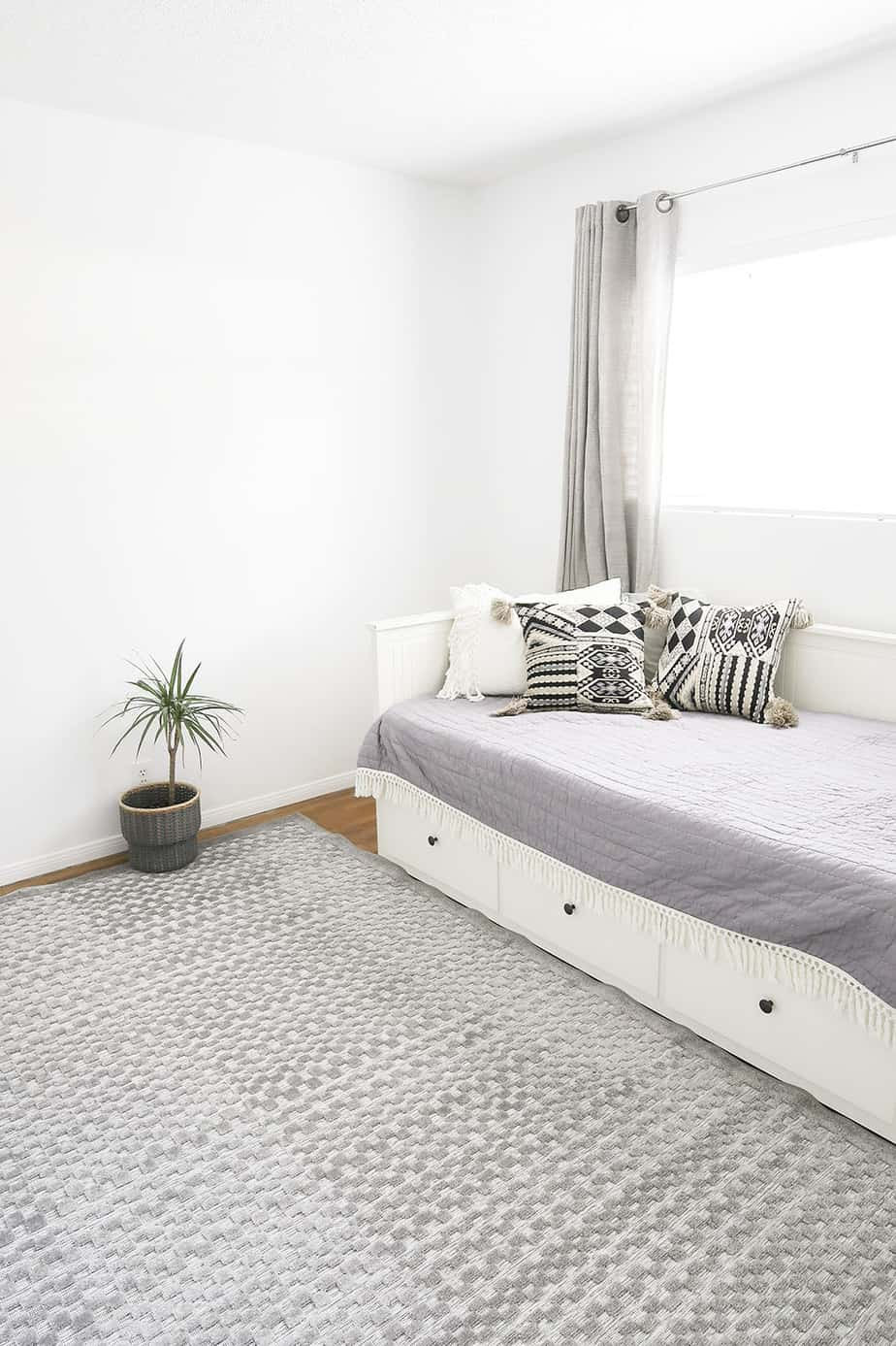 Minimalist Guest Bedroom