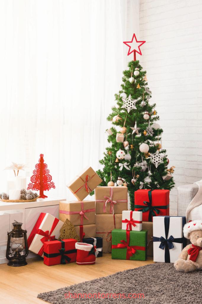 Best Minimalist Christmas Tree Decor Ideas