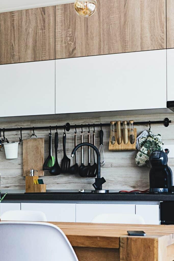 minimalilst kitchen storage