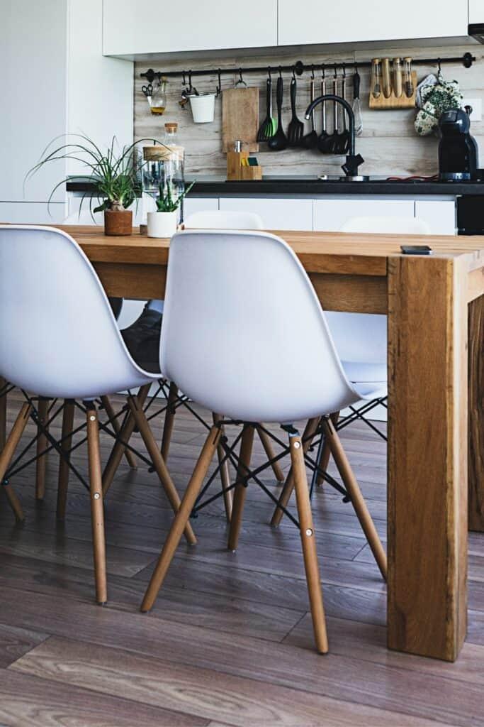 modern minimalist chairs
