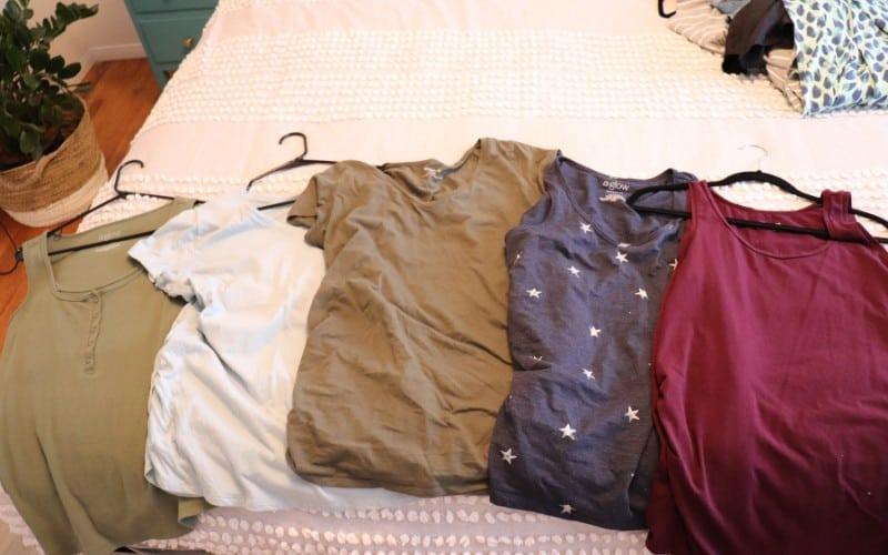 Wardrobe capsule Shirts and tanks